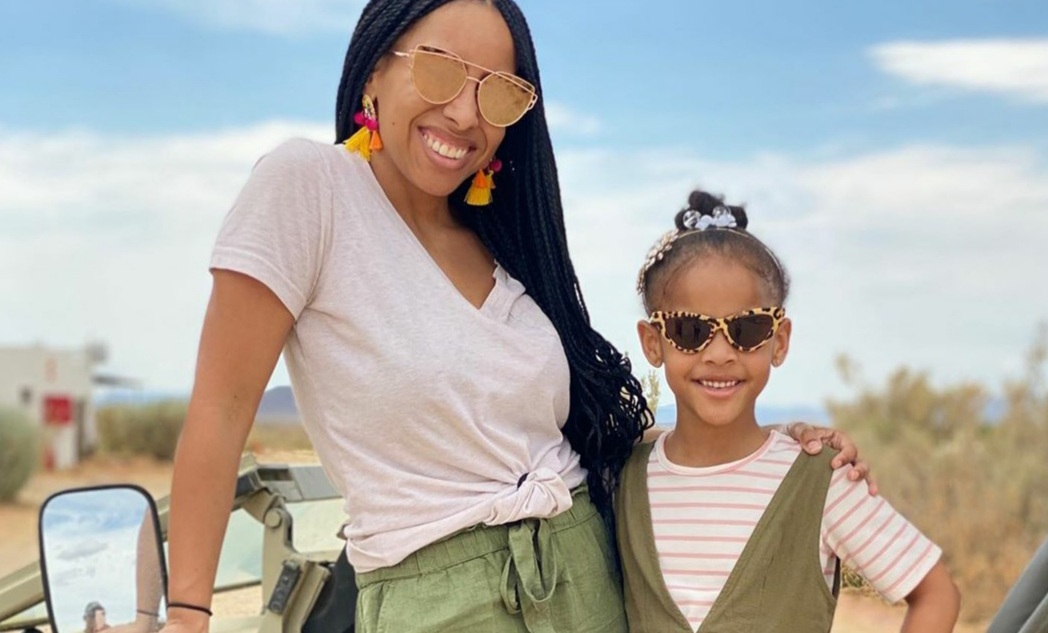 Mother-daughter travel duo explore the world together
